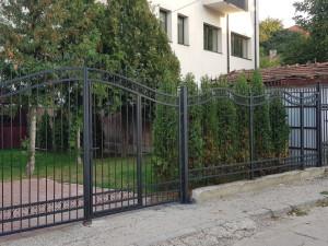 Garduri şi porţi